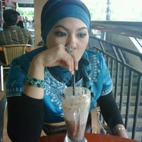 Photo taken at Coffee Toffee by sbr a. on 10/9/2011
