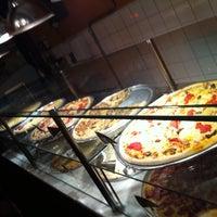 Photo prise au O Pedaço da Pizza par Marcio L. le4/28/2012