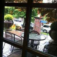 6/5/2012 tarihinde Eileen L.ziyaretçi tarafından C & P Coffee'de çekilen fotoğraf