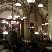 Photo prise au Café Central par Konstantin F. le3/17/2012