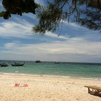 Photo taken at Green View Beach Resort by виктор ж. on 1/19/2012