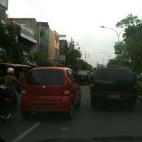 Photo taken at Jalan Kedungdoro by Purbo Setyo Handono on 11/5/2011