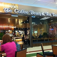 Photo taken at The Coffee Bean & Tea Leaf by Daniel Y. on 9/14/2011