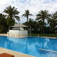 Foto tomada en Aguas de Ibiza Lifestyle & Spa Hotel por Roberta M. el 5/9/2012