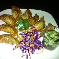 Foto scattata a Lotus Thai Cuisine da Dave B. il 1/29/2012