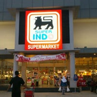 Photo taken at Superindo by Gani P. on 12/18/2011