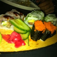 Foto tomada en Sushi Bao por Santhi V. el 5/27/2011