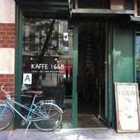รูปภาพถ่ายที่ Kaffe 1668 โดย Jens Lernø S. เมื่อ 6/8/2012