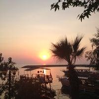 8/16/2012 tarihinde Gulsah B.ziyaretçi tarafından Liman Restaurant Lounge Club'de çekilen fotoğraf