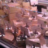Foto scattata a Antonelli's Cheese Shop da Laura O. il 1/14/2012