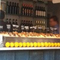 5/5/2012 tarihinde Melanie N.ziyaretçi tarafından Mare Oyster Bar'de çekilen fotoğraf