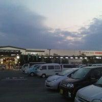 Photo taken at Handsman by Yoshiaki H. on 12/18/2011