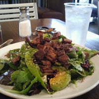 Photo taken at Greens & Grille by Carlos R. on 8/29/2011
