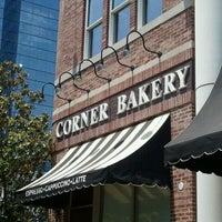 Photo prise au Corner Bakery Cafe par Stefanie S. le5/24/2011