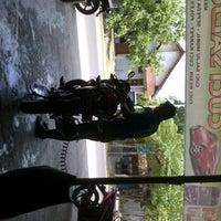Photo taken at Cuci Salju Usman by latif m. on 12/5/2011
