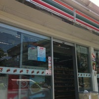 Photo taken at 7-Eleven by Sirirush S. on 7/17/2011