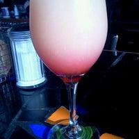 Foto tomada en Bridges Cafe & Catering por Kimberly G. el 11/28/2011