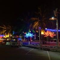 Photo taken at Pantai Saujana (Pantai Batu Empat) by Khairul A. on 8/20/2012