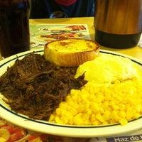Снимок сделан в IHOP пользователем Miguel D. 10/23/2011