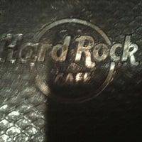 Снимок сделан в Hard Rock Cafe Houston пользователем Jenn C. 1/16/2012