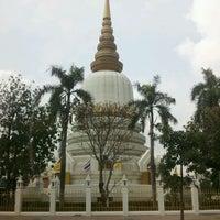 Photo taken at พระบรมสารีริกธาตุ วัดพระศรีมหาธาติ by เจน J. on 4/28/2012