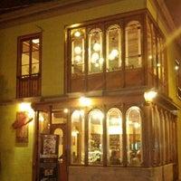 Photo taken at Café Da Vinci by Guido F. on 9/2/2012