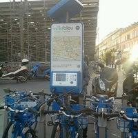 Photo taken at Vélo Bleu (Station No. 19) by Iarla B. on 1/22/2012