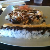 Photo prise au Carolina Sushi & Roll par Yung H. le8/16/2012