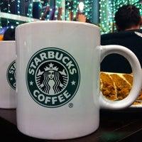 Снимок сделан в Starbucks пользователем Natalia D. 12/24/2011
