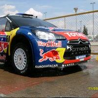 รูปภาพถ่ายที่ Rally Mexico โดย Oscar G. เมื่อ 3/13/2012