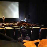Photo prise au Gene Siskel Film Center par Noah P. le4/7/2011