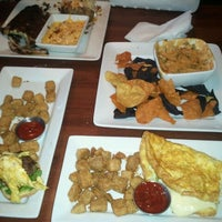Photo taken at Ruby Tuesday by Lou N. on 11/6/2011
