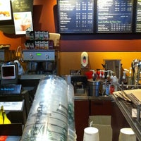 Das Foto wurde bei Starbucks von Daniel P. am 8/12/2011 aufgenommen
