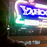 Photo taken at Yahoo! Sign by Gentry on 12/9/2011