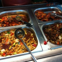 Photo taken at Zhong Guo Long Kiinalainen Ravintola by Pellervo K. on 9/21/2011