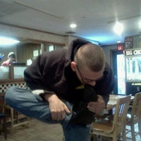 Photo taken at Pizza Hut by Mark P. on 1/14/2012