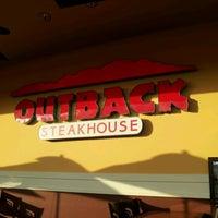 Foto tirada no(a) Outback Steakhouse por Guilherme A. em 1/8/2012
