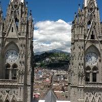 Foto tomada en La Basílica Del Voto Nacional por Jack H. el 4/1/2012