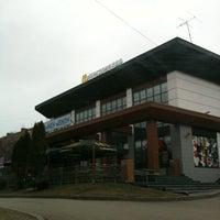 Снимок сделан в McDonald's пользователем Pablo M. 4/21/2011