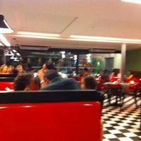 Photo taken at Eddie Fine Burgers by Emilio B. on 4/3/2011
