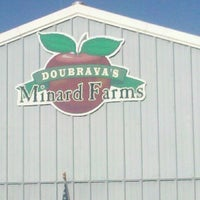Photo taken at Minard Farms Apple Growers by Bill S. on 10/9/2011