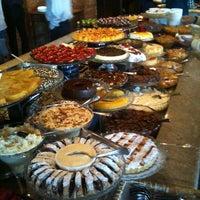 Photo taken at Dado Bier Restaurante by Augusto L. on 5/13/2012