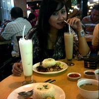 Photo taken at HK Resto - Java Supermall by Ophelea A. on 9/3/2011