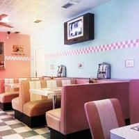 Photo taken at Bowie's Meal House by Roberto Antoraz Álvarez @. on 2/17/2012