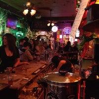 1/15/2012 tarihinde Densziyaretçi tarafından 7B Horseshoe Bar aka Vazacs'de çekilen fotoğraf