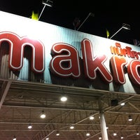 Photo taken at Container 4 at Makro Ladprao by Arlongkorn J. on 3/6/2012