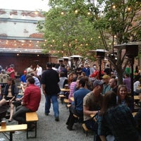 Foto scattata a Frankford Hall da Chris S. il 5/5/2012