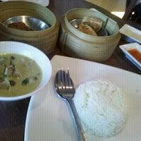 Photo taken at Waraporn Salapao by Kontorn C. on 10/12/2011