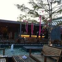 Photo taken at สวน-สระ-ลาน Pub&Restaurant by Petch N. on 2/29/2012