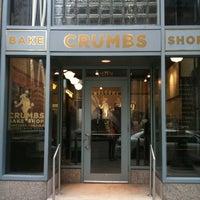 Das Foto wurde bei Crumbs Bake Shop von Ellie M. am 3/8/2011 aufgenommen